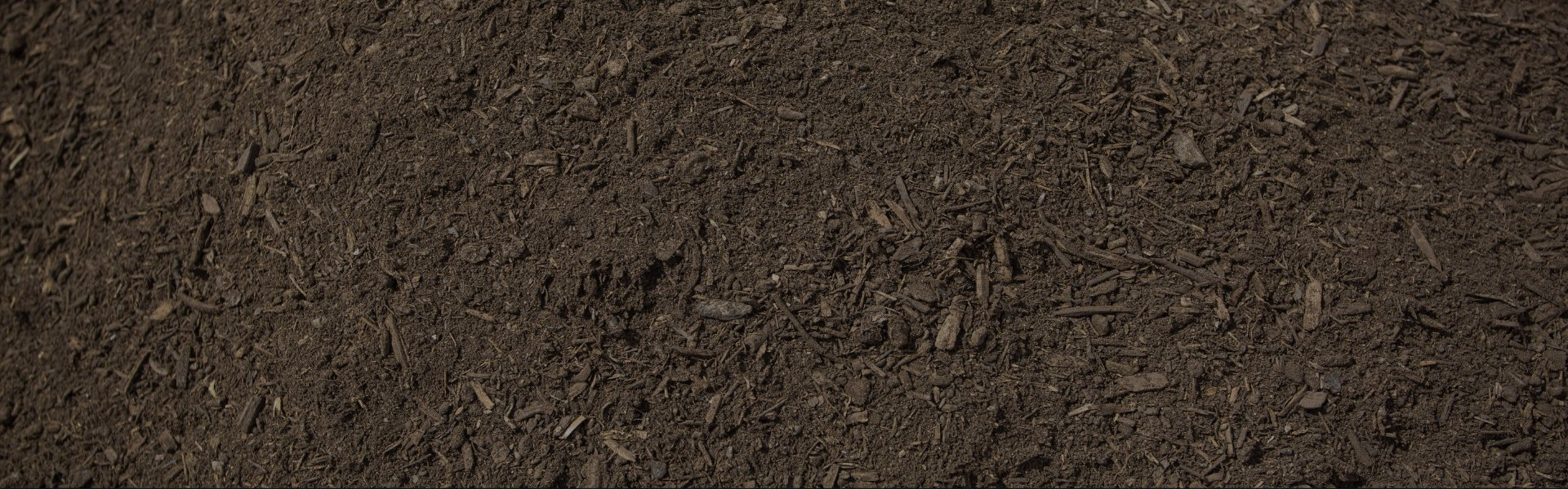 WE DELIVER MULCH and TOPSOIL THAT WILL MAKE YOUR NEIGHBORS JEALOUS – CALL NOW!